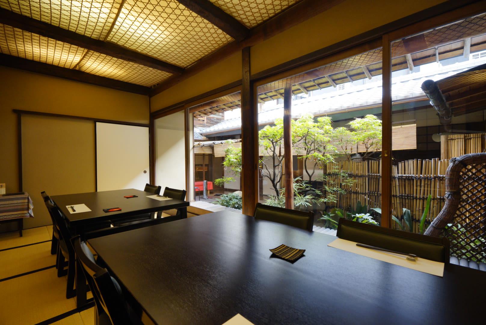 nhà hàng kyoto obanzai là một nơi đáng ghé trong lịch trình ngắm mùa thu ở kyoto
