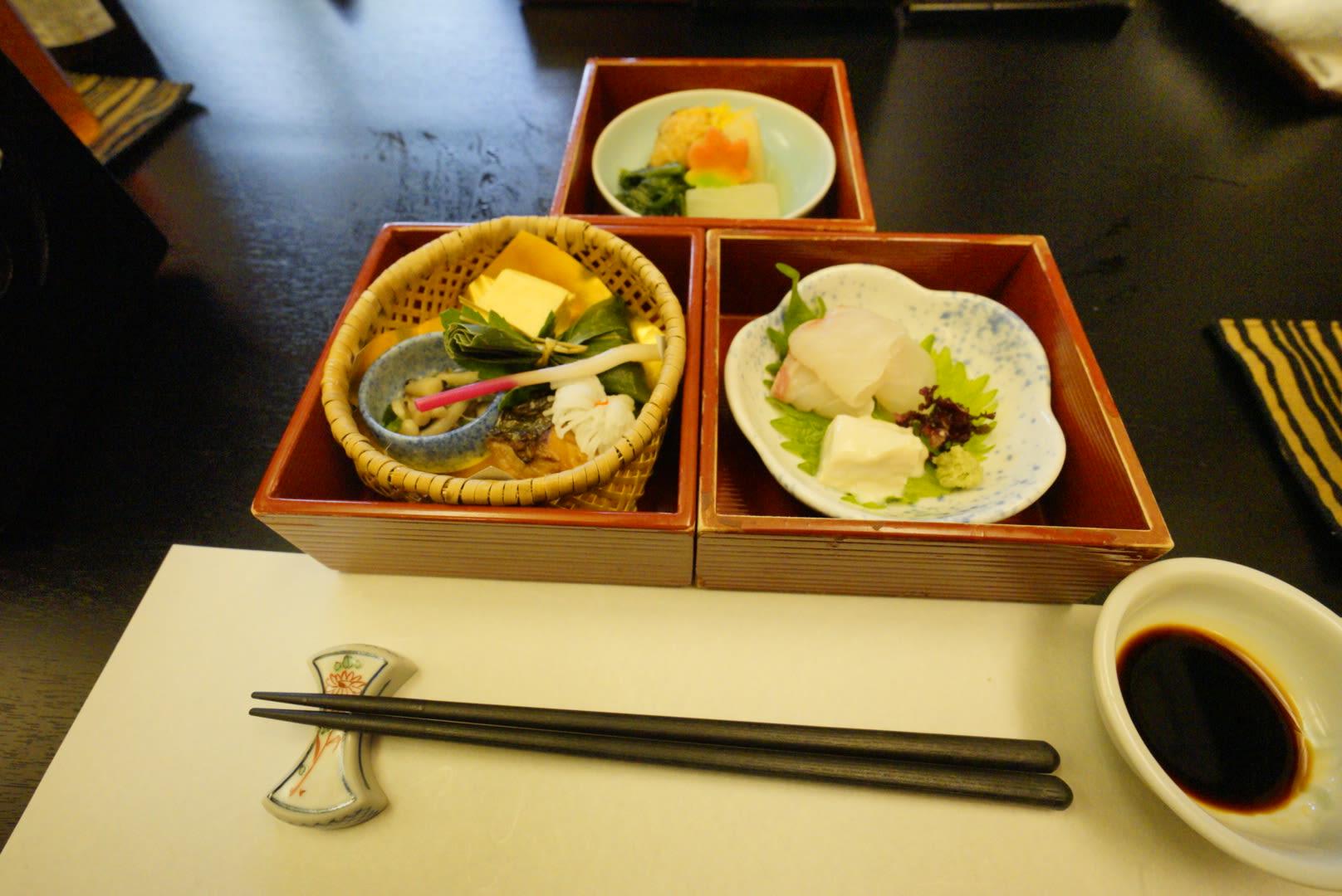 món ăn đặc trưng tại kyoto obanzai trong lịch trình ngắm mùa thu ở kyoto
