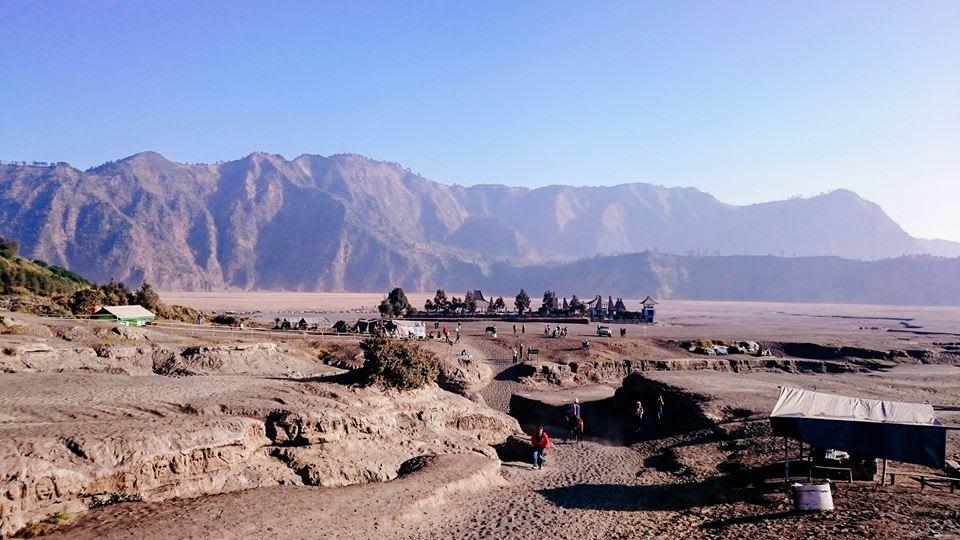 đền pura luhur poten ở núi lửa bromo