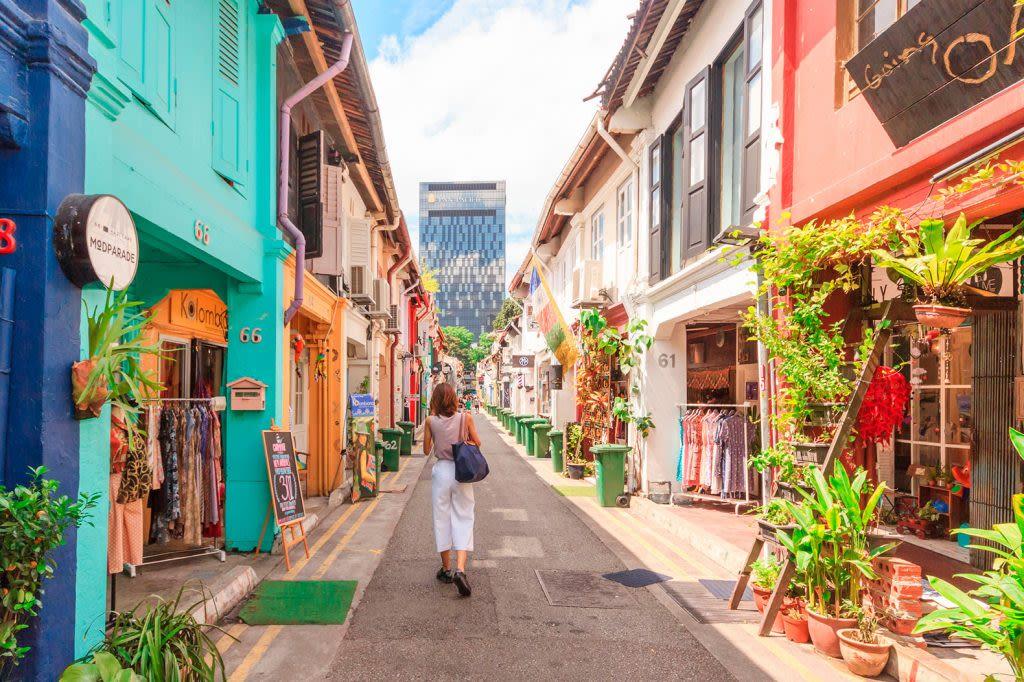 haji lane là một trong những khu văn hóa mới ở singapore được các bạn trẻ săn lùng