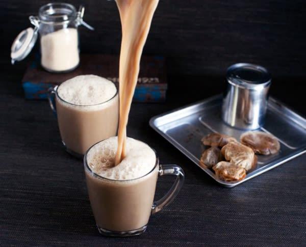 teh tarik là món ăn vặt singapore mang màu sắc ấn độ