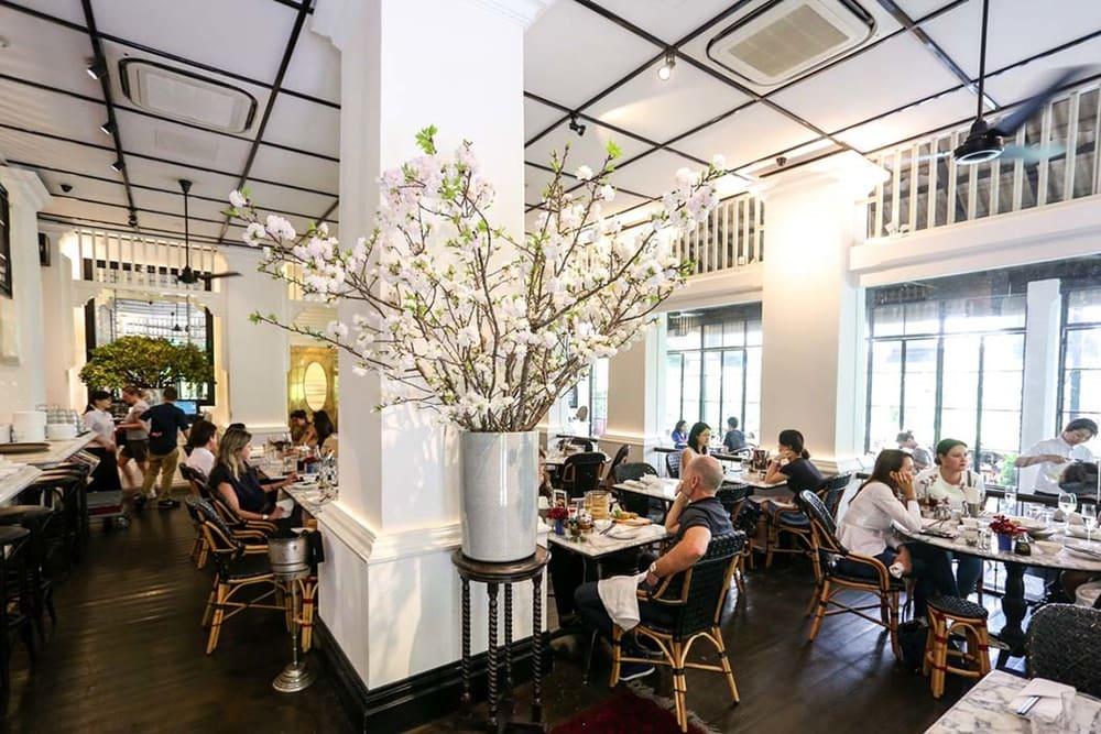 ăn uống tại PS cafe trong lịch trình du lịch singapore 3 ngày dành cho gia đình