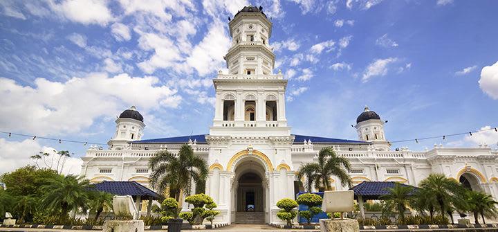 thăm thánh đường sultan abur bakar trong lịch trình du lịch singapore - malaysia cho gia đình