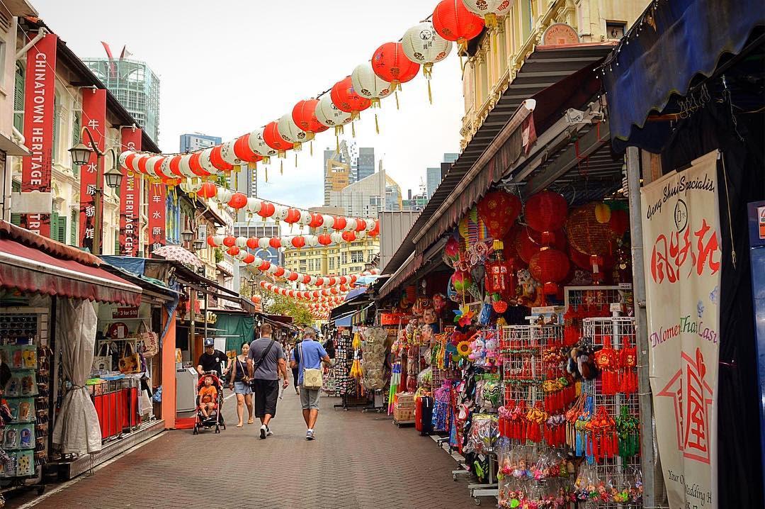 dạo chơi tại china town trong lịch trình du lịch singapore - malaysia cho gia đình