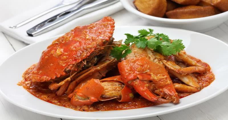 ăn cua sốt ớt trong lịch trình du lịch singapore - malaysia cho gia đình