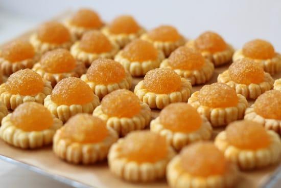 bánh mứt thơm là một món ăn vặt khoái ở singapore