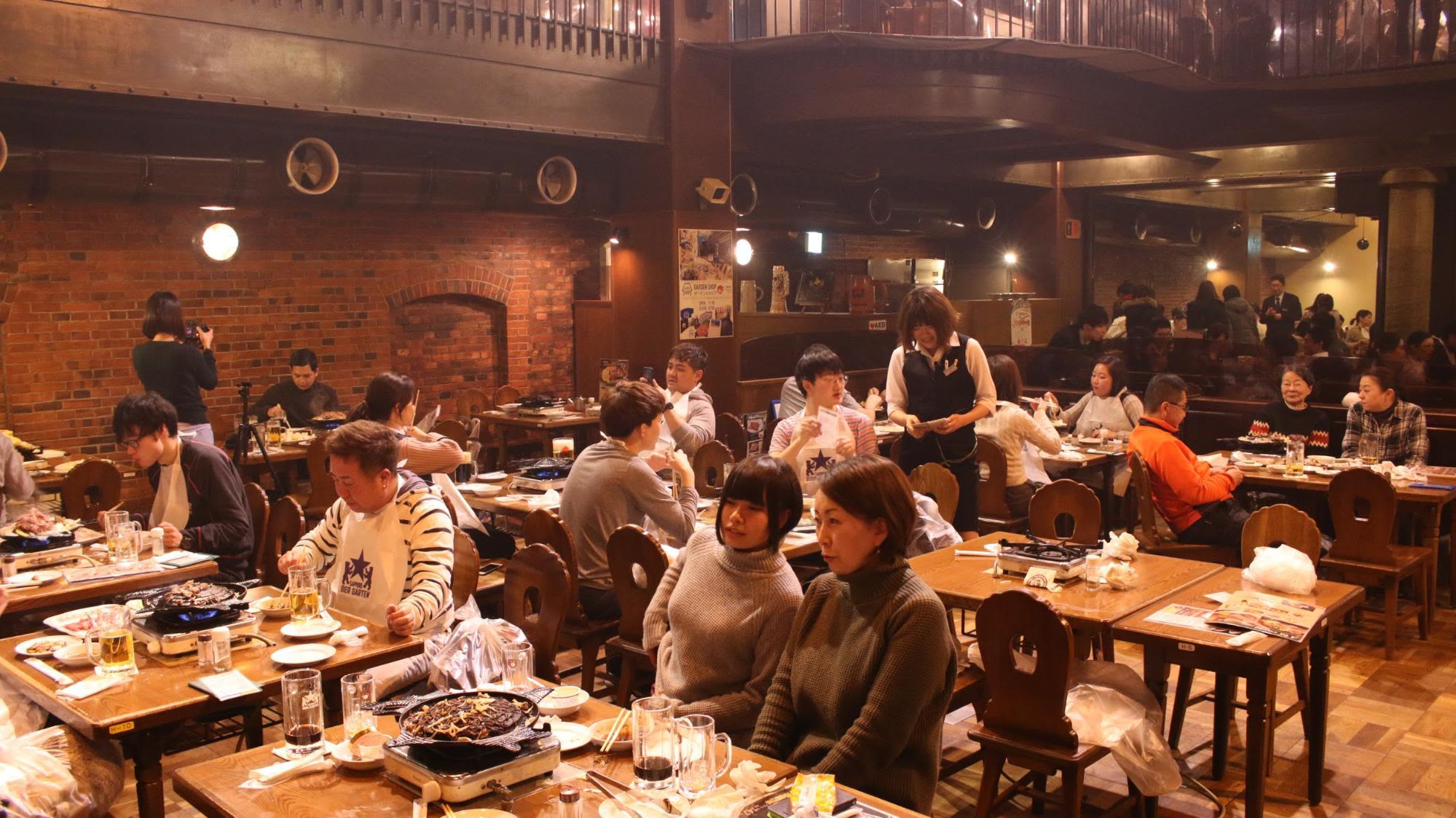 sapporo beer garden là một trong những nơi thưởng thức ẩm thực hokkaido