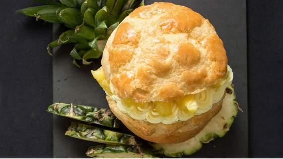 một trong những món ăn hong kong phải thử là bánh dứa