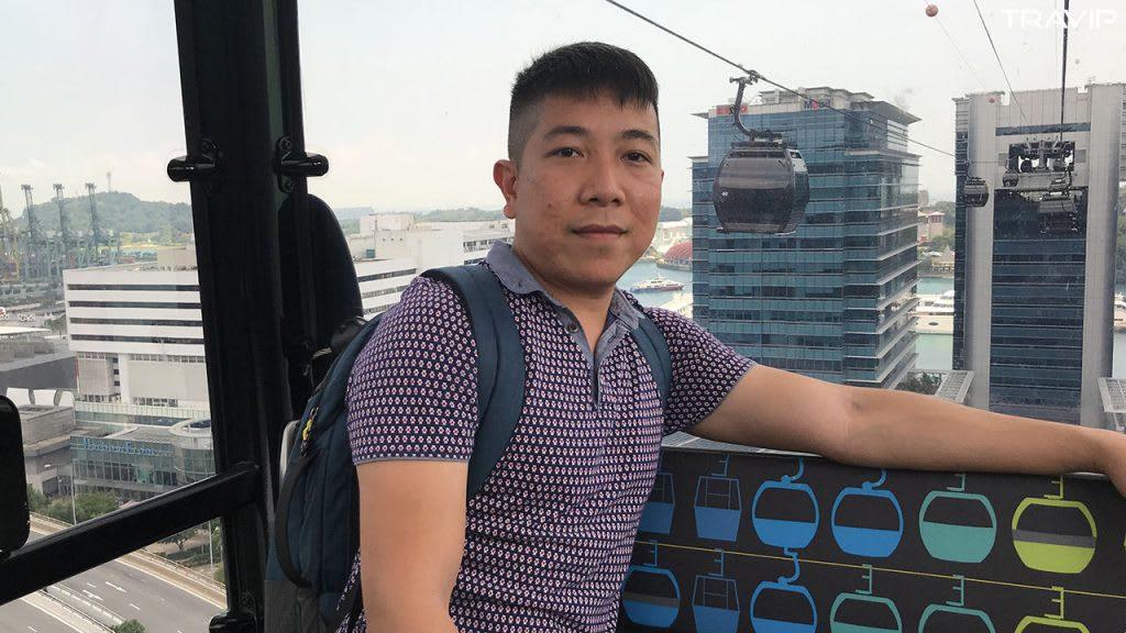 đi cable car trong lịch trình đi singapore dịp 30/4 cho nhóm bạn thân