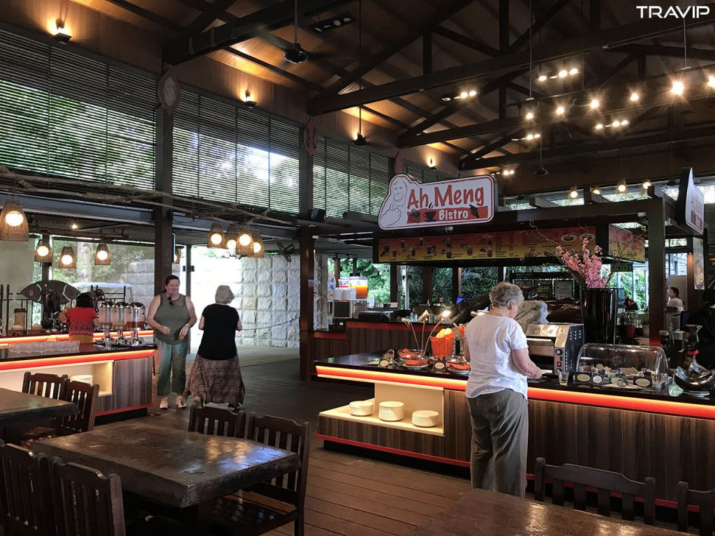 ăn trưa tại ah meng trong lịch trình đi singapore dịp 30/4 cho nhóm bạn thân