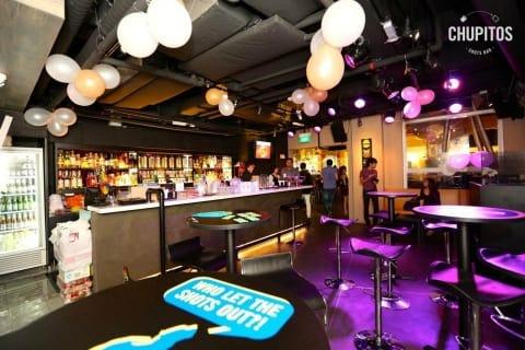 lịch trình đi singapore 4 ngày 3 đêm cho các cặp đôi: the chupitos bar