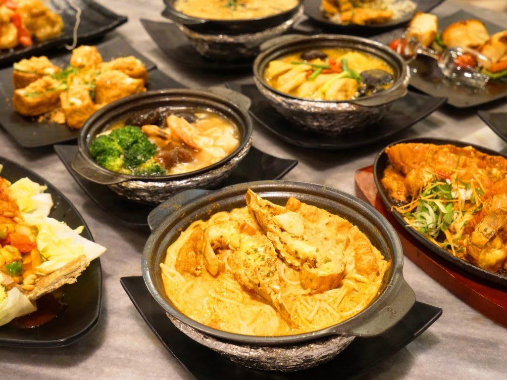 ăn tối tại city square mall trong lịch trình đi singapore dịp 30/4 cho nhóm bạn