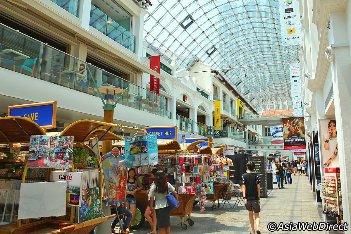 khám phá bungis junction trong lịch trình đi singapore cho nhóm bạn