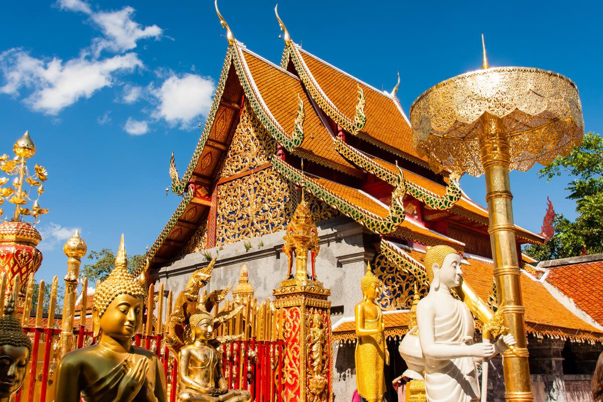 thăm chùa phra thad doi supthep là một trong những bí kíp du lịch Chiang Mai tiết kiệm