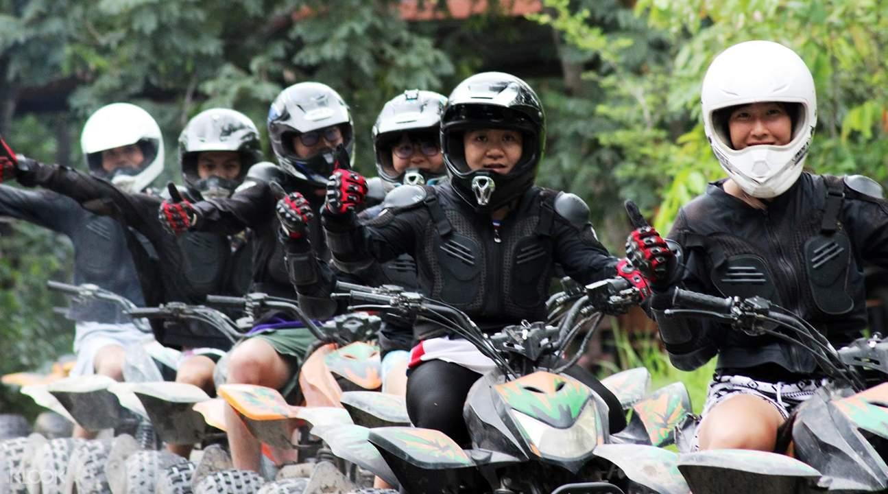 đi xe ATV là một trong những phương pháp du lịch Chiang Mai tiết kiệm