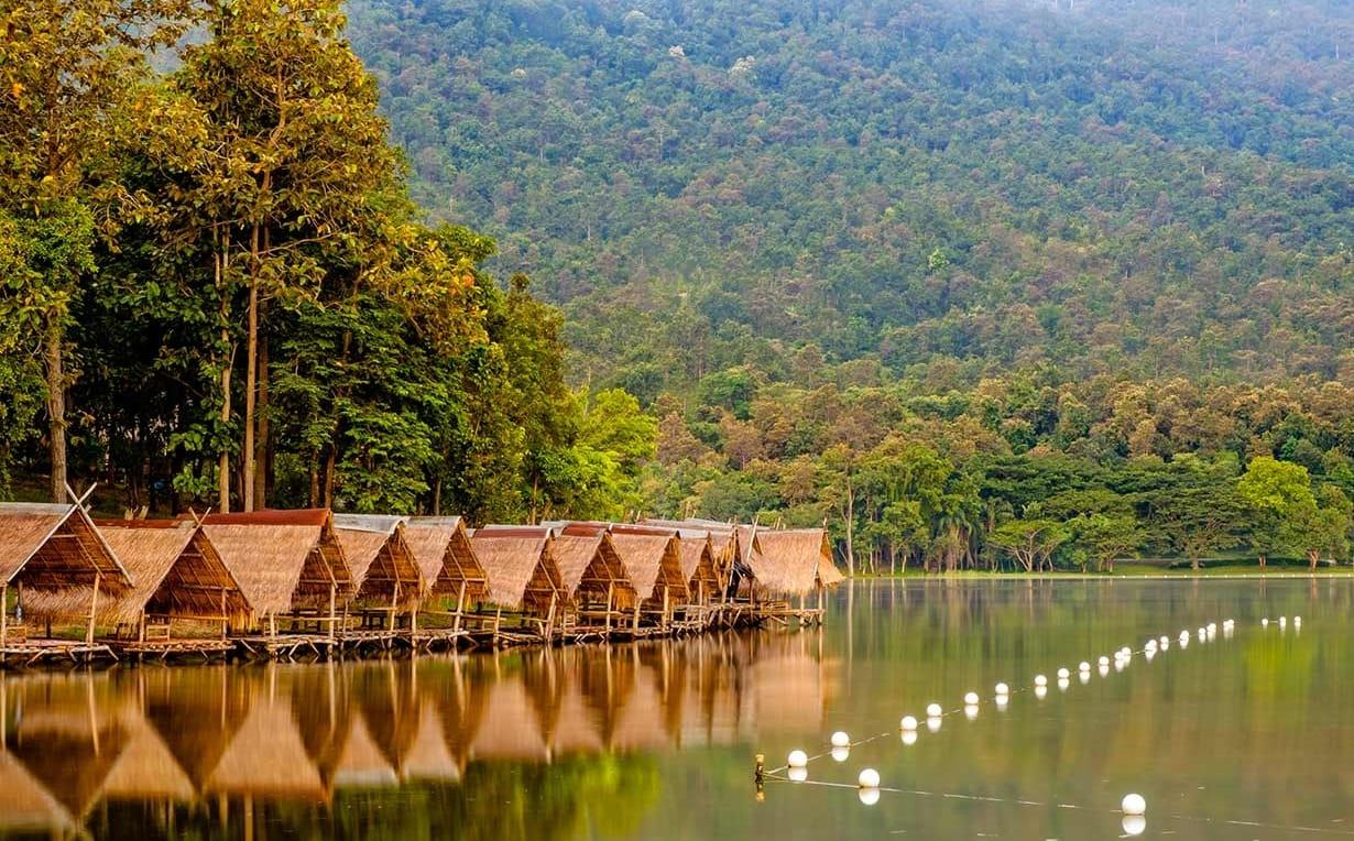 tham quan hồ Huay Tung Lao là một trong những bí kíp du lịch Chiang Mai tiết kiệm