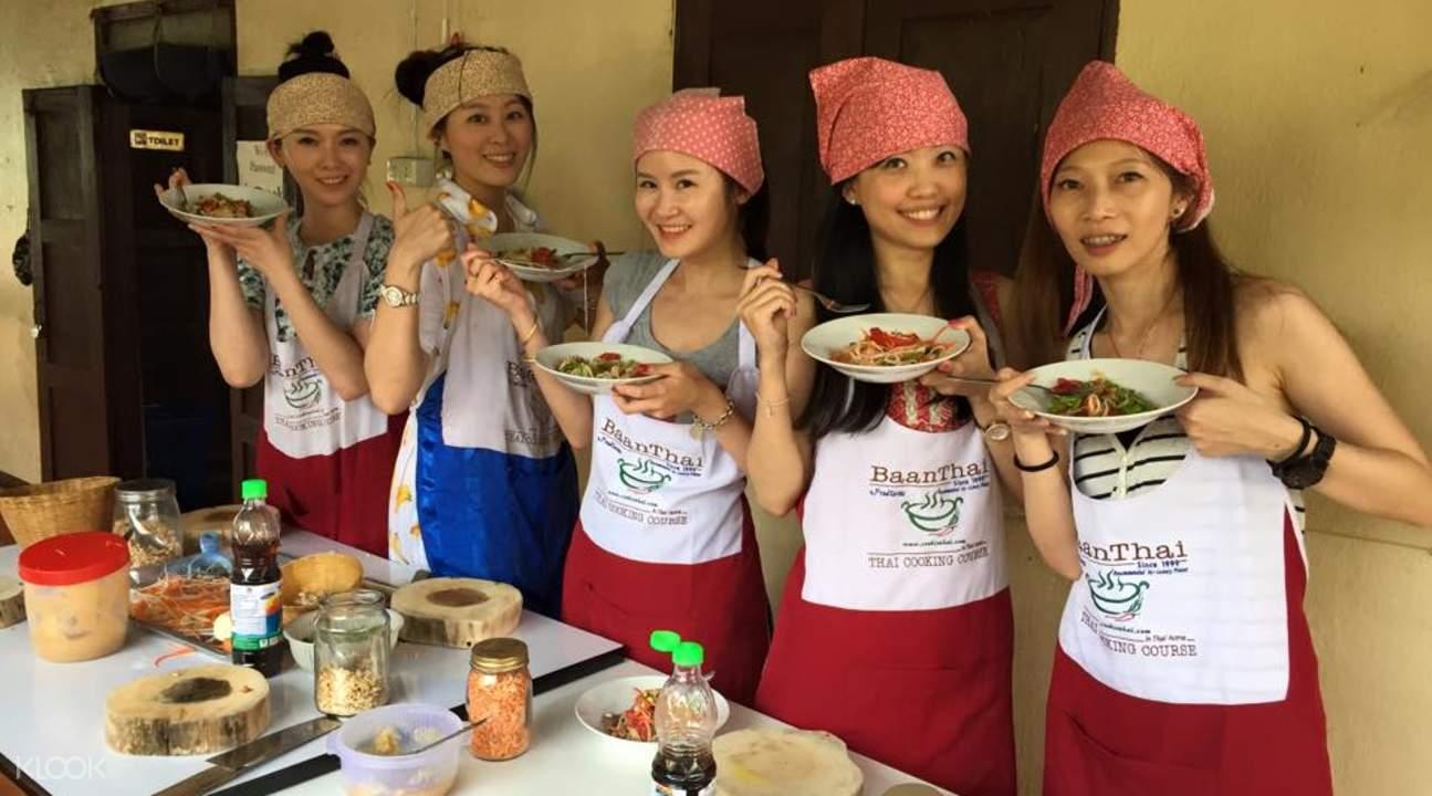 học nấu ăn tại Baan Thai là một trong những bí kíp du lịch Chiang Mai tiết kiệm