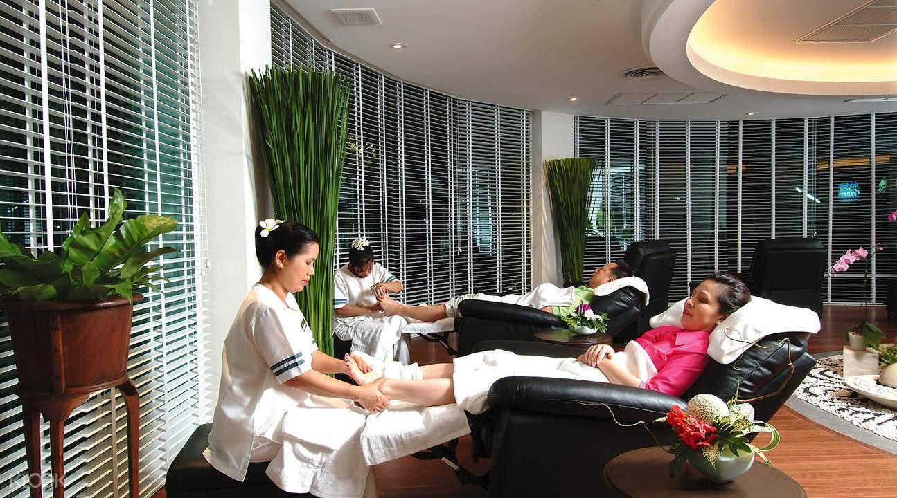 thư giãn ở Let's Relax Spa là một trong những bí kíp du lịch Chiang Mai tiết kiệm