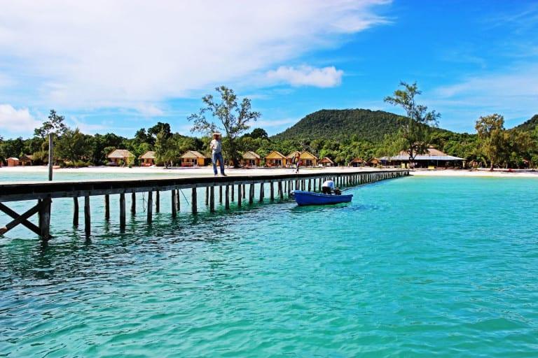 Koh Rong Saloem là một trong những bãi biển đông nam á đẹp hoang sơ