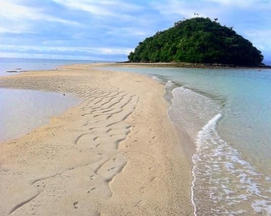biển ở đảo bon bon là một bãi biển đẹp ở philippines