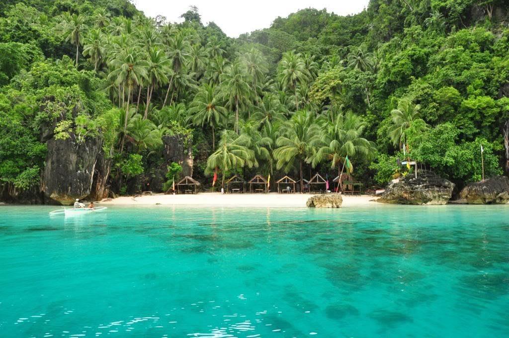 một trong những bãi biển đẹp ở philippines là bitaog