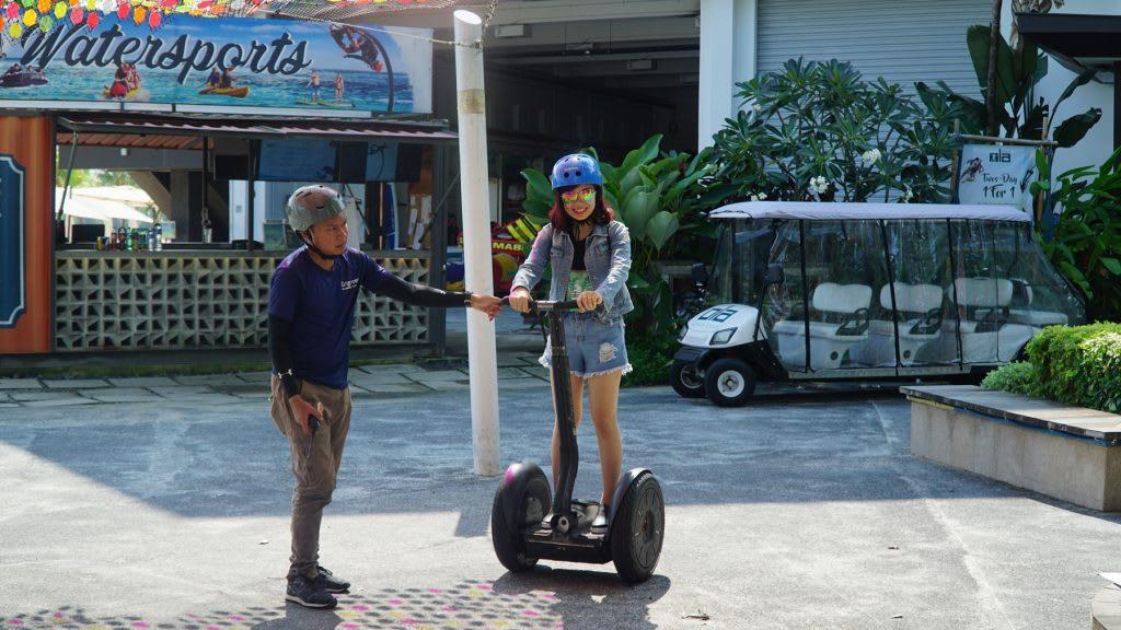 Lịch trình du lịch tự túc Singapore 4 ngày cho gia đình: trượt xe lug