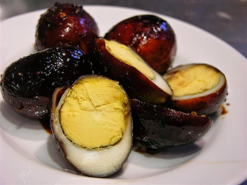 trứng sắt là một trong những món ăn kinh dị ở đài loan