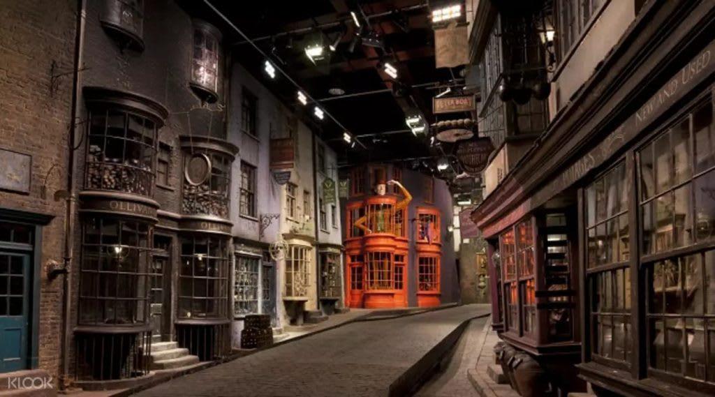 warner bros studio là một nơi du lịch harry potter đáng để đến