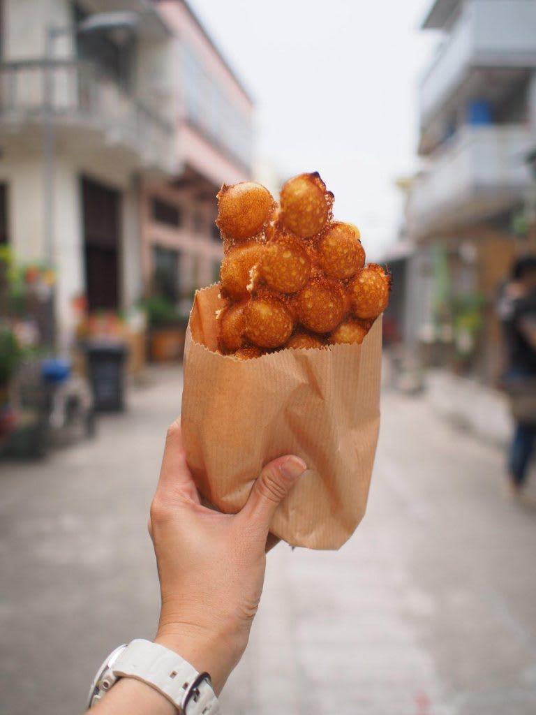 sống ảo với món ăn đường phố ở tai o trong lịch trình khám phá ngong ping 360
