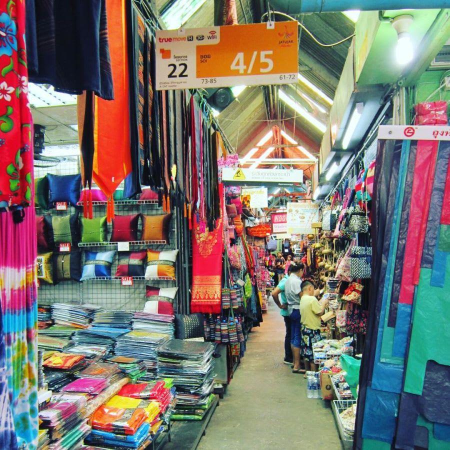 chatuchak là một trong những khu chợ đường phố ở bangkok