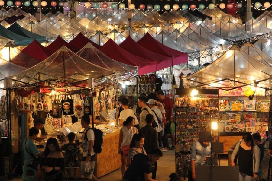 chợ talad neon là một trong những khu chợ đường phố ở bangkok