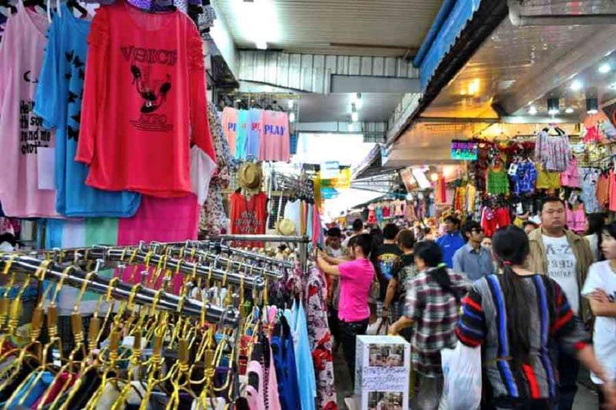chợ sáng pratunam là một trong những khu chợ đường phố ở bangkok