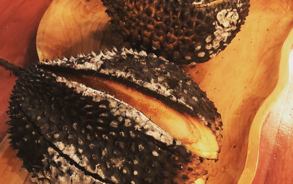 sầu riêng nướng than tại double durian singapore