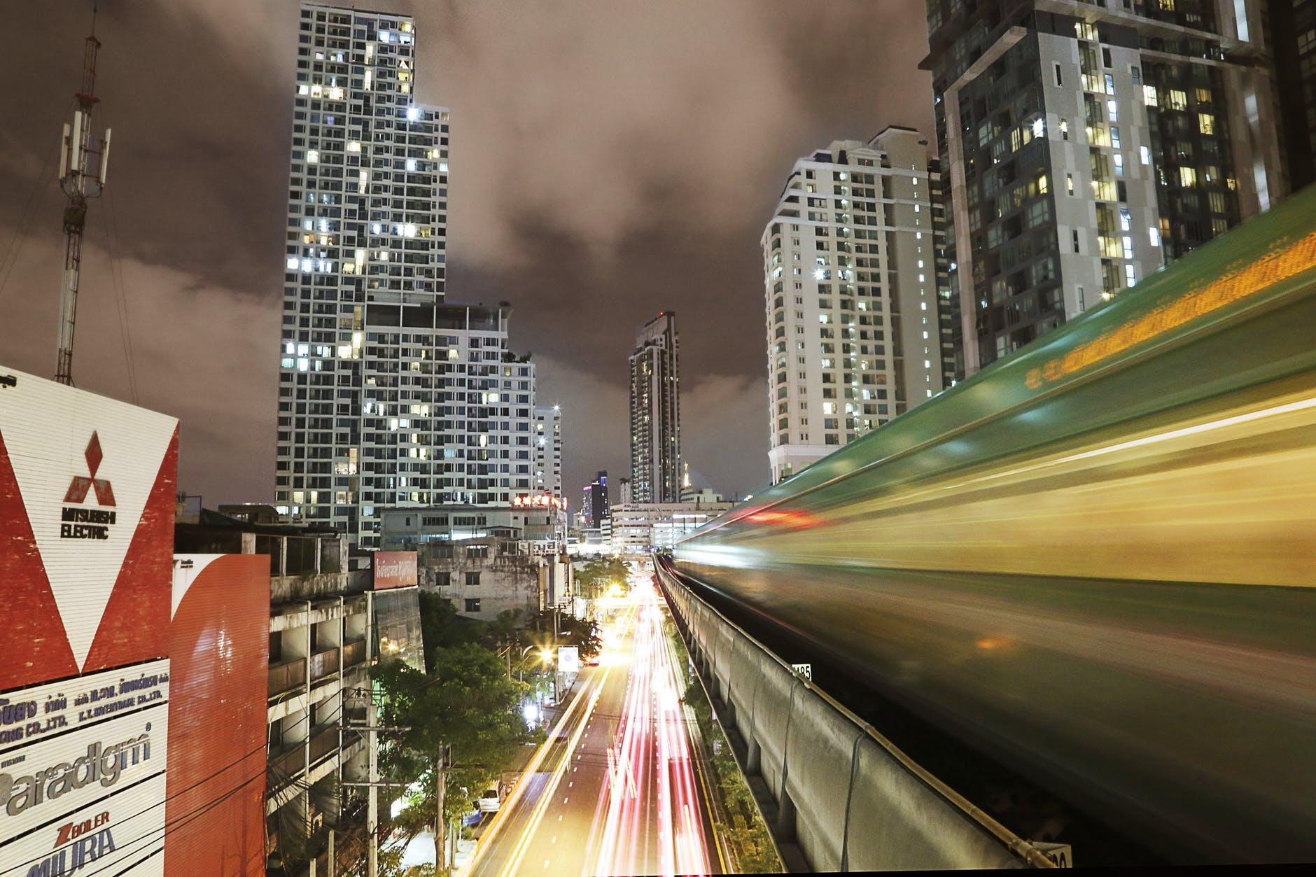 du lịch thái lan một mình cho bạn nữ: bangkok sky train
