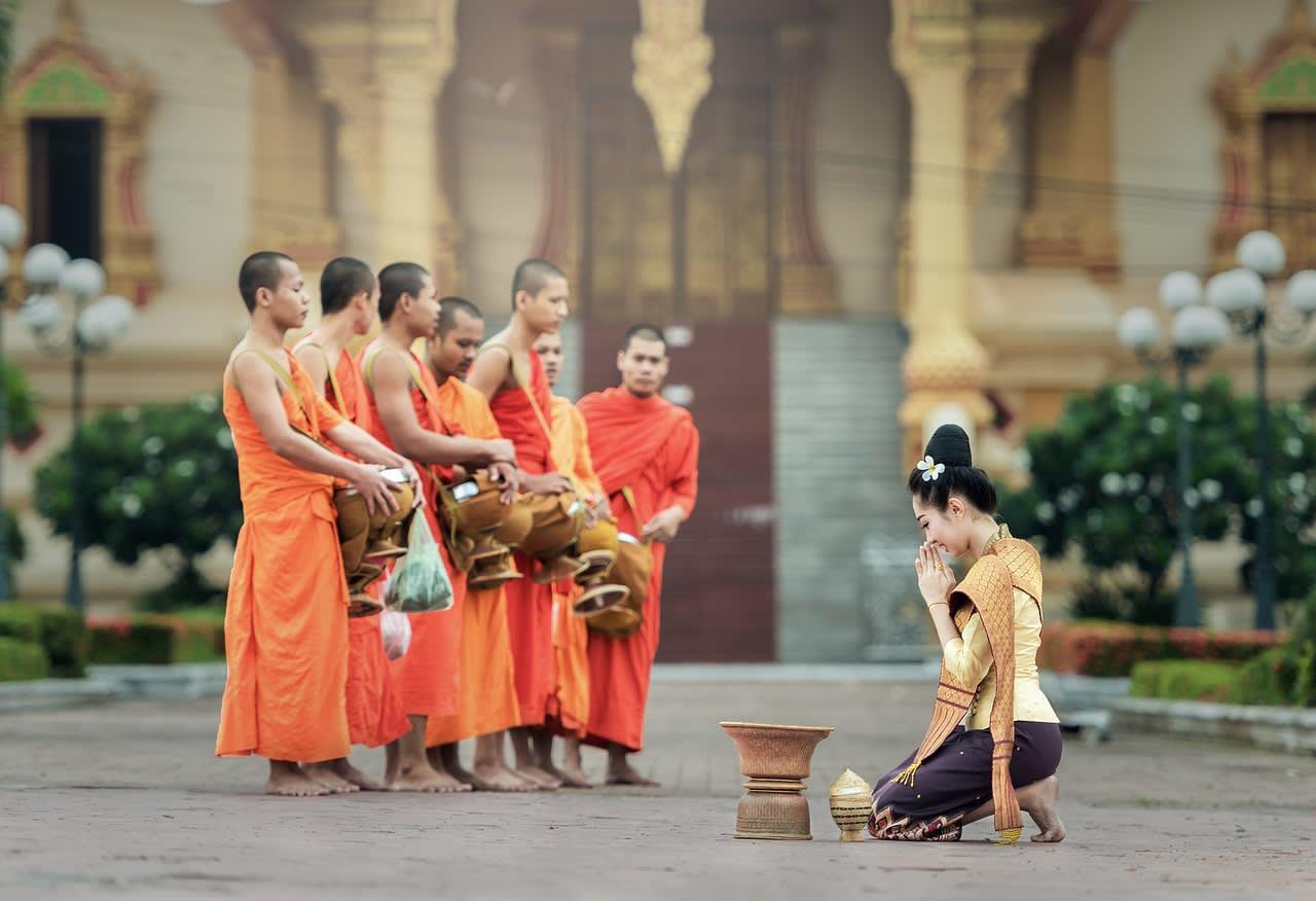 du lịch thái lan một mình cho bạn nữ: sư thầy