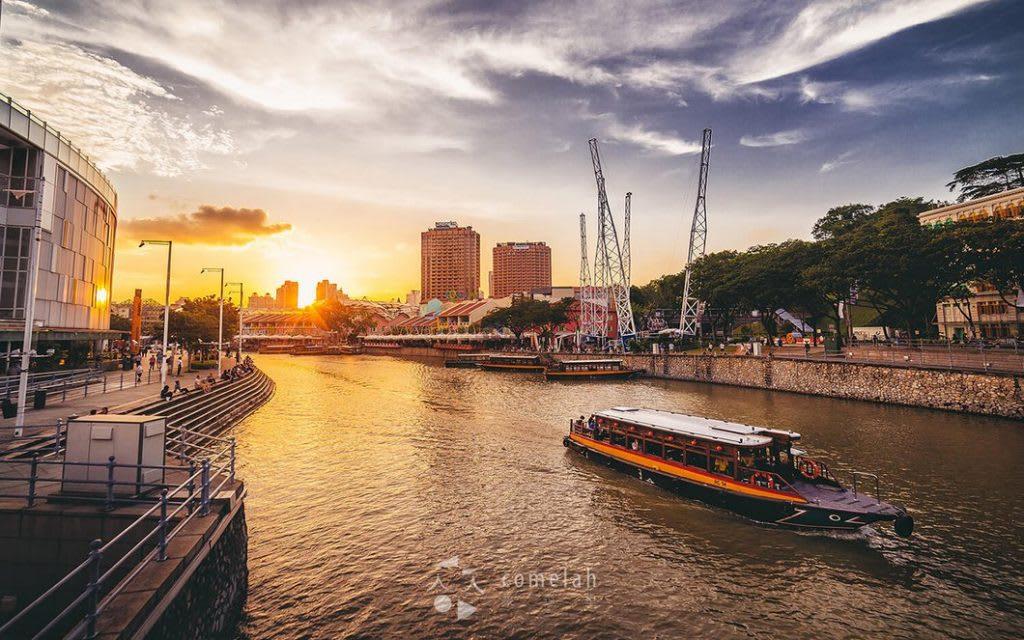 điểm đến cho các cặp đôi ở Singapore: ngồi du thuyền