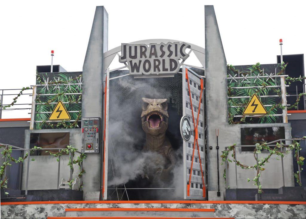 Jurassic World đã đổ bộ vào Universal Studios Singapore: roar! show