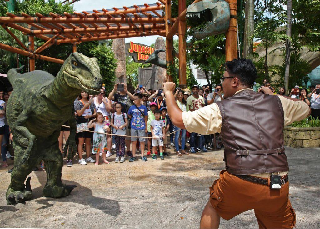 Jurassic World đã đổ bộ vào Universal Studios Singapore: raptor training school