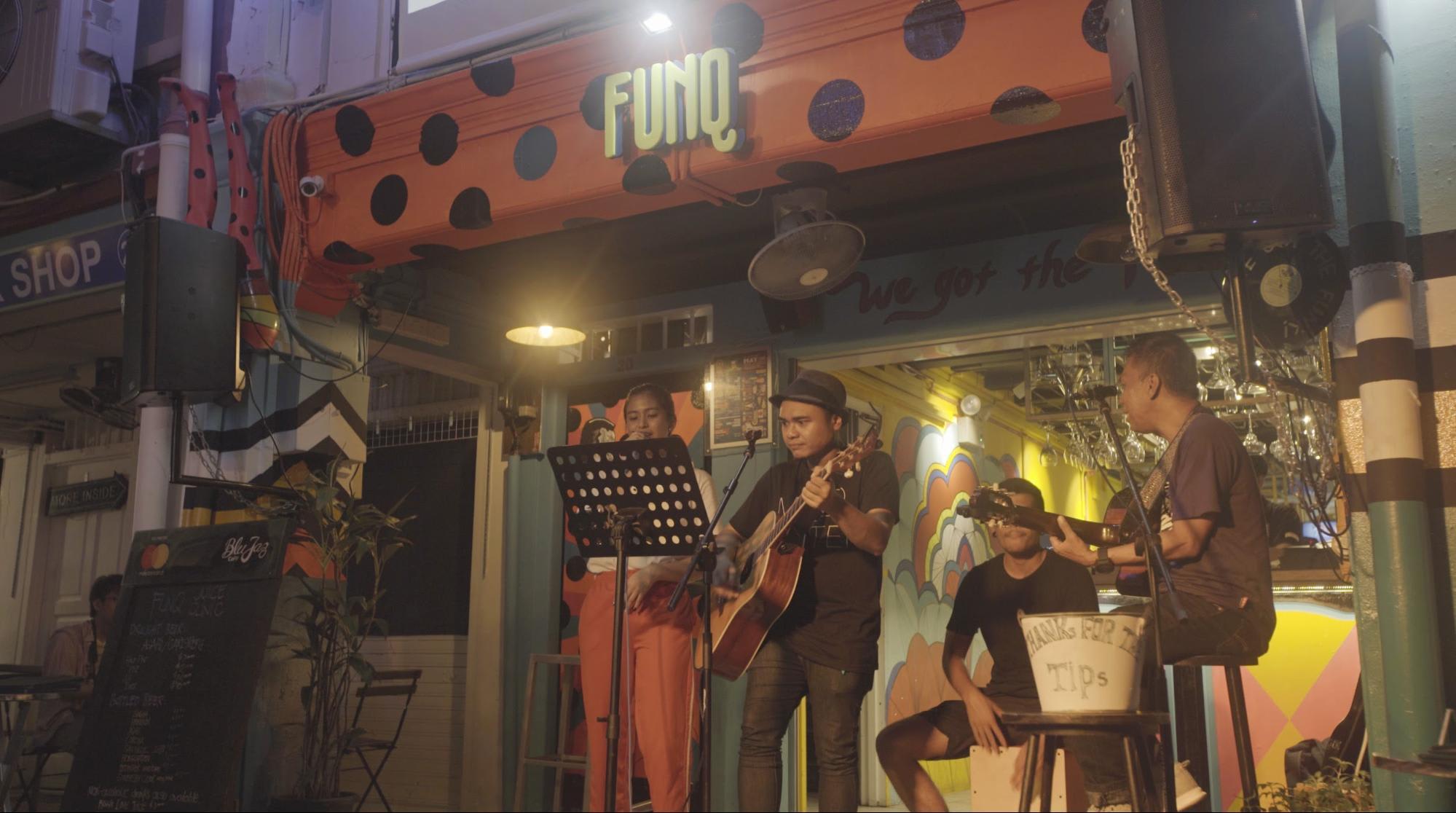 Khám phá Haji Lane: quán bar Funq