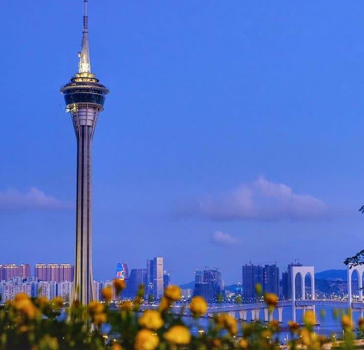 tháp macau nhìn từ xa