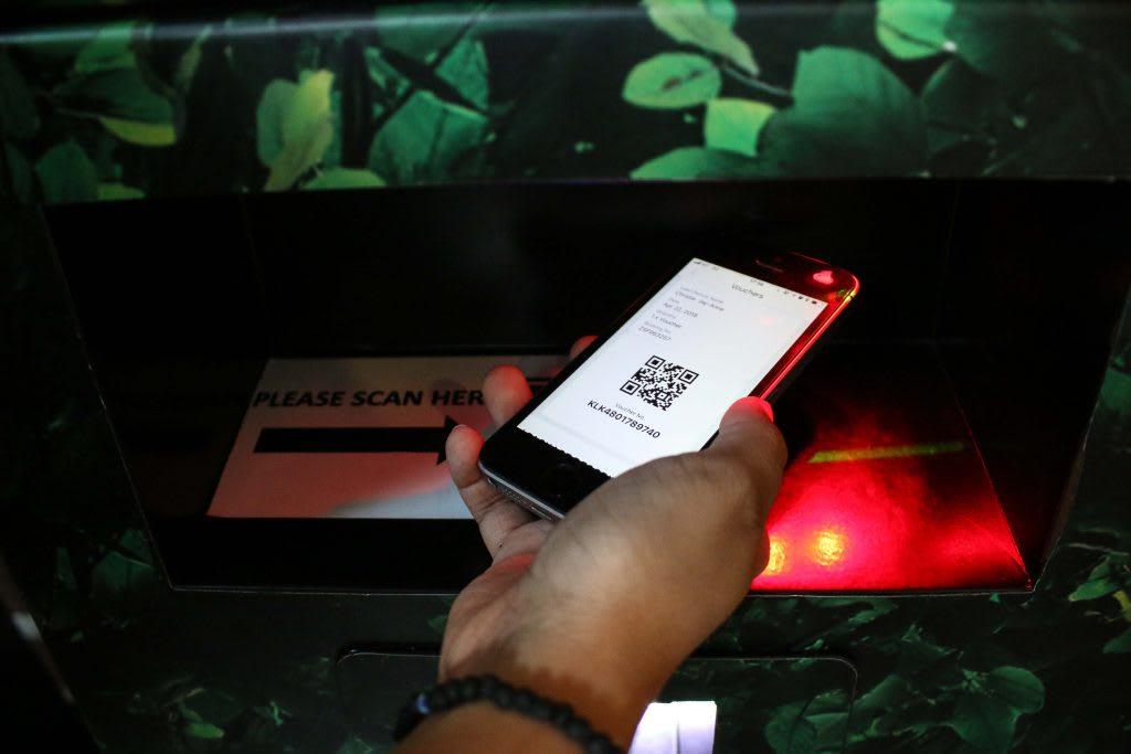 mua vé rừng mưa ánh sáng tại singapore zoo qua klook