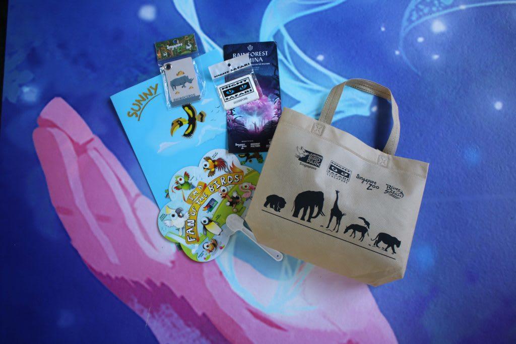 quà tặng tại rừng mưa ánh sáng singapore zoo