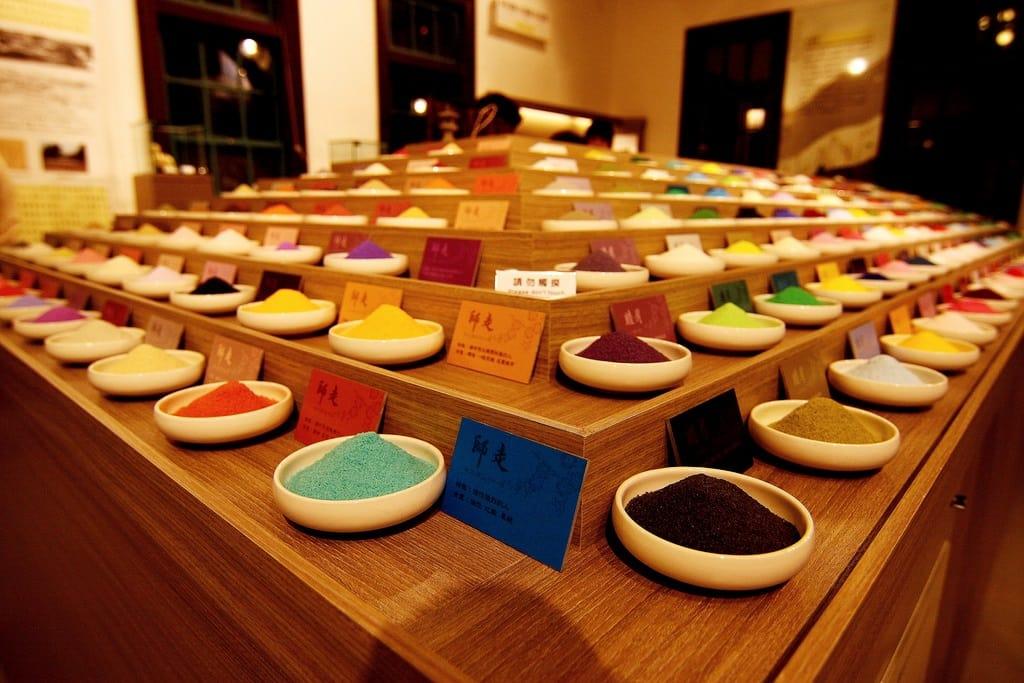 trưng bày muối nhiều màu sắc ở sio house