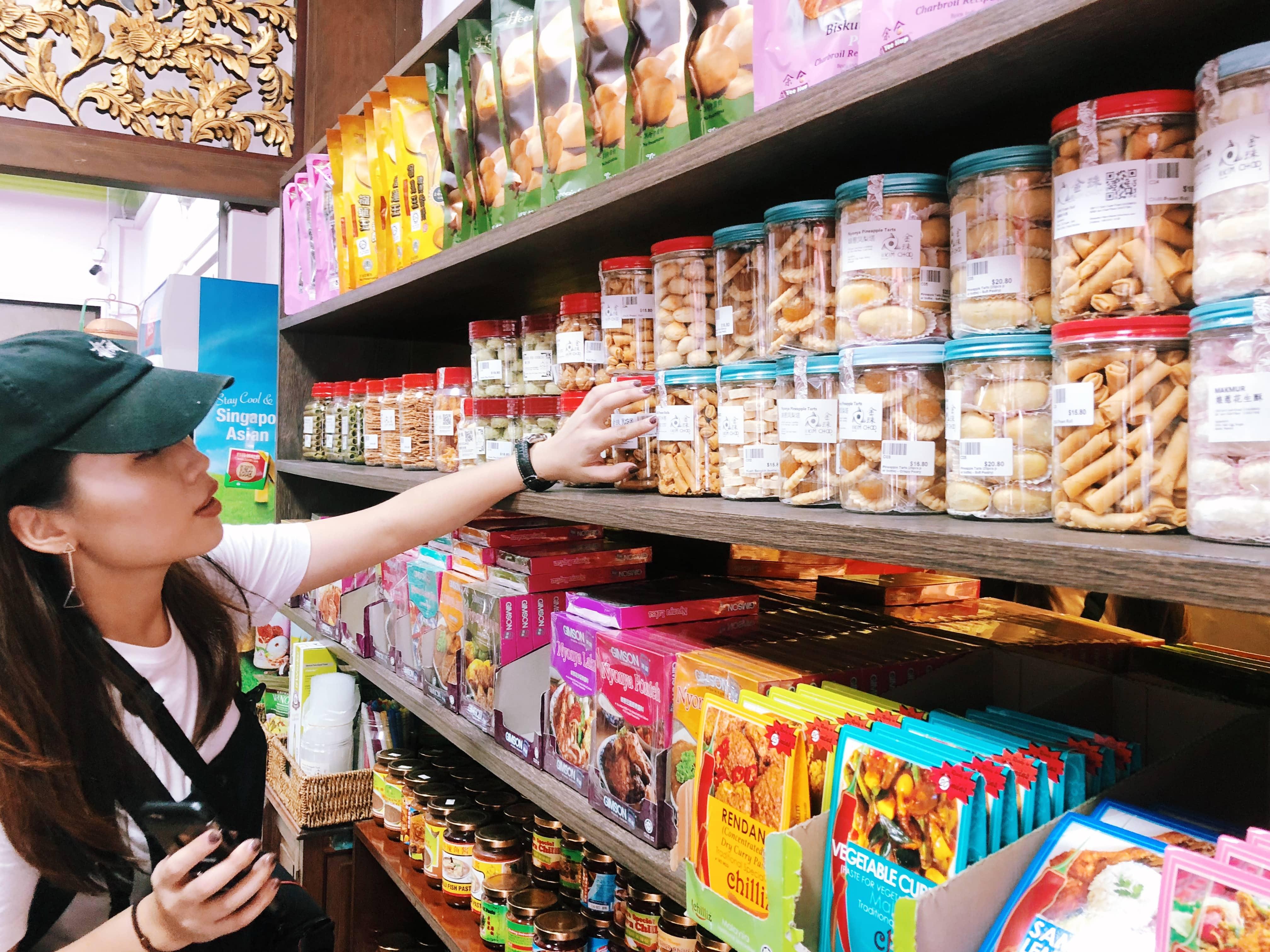 mua sắm đồ ngọt tại kim choo kueh chang