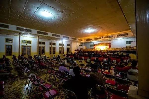 các chương trình nghệ thuật miễn phí tại indonesia
