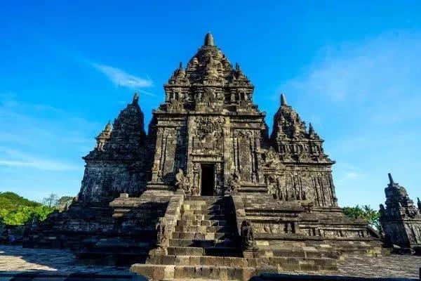 indonesia nhiều ngôi đền phật giáo cổ kính