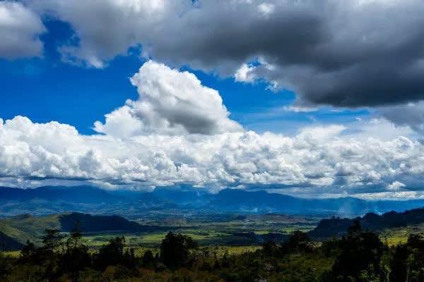 bầu trời xanh và mây tại indonesia