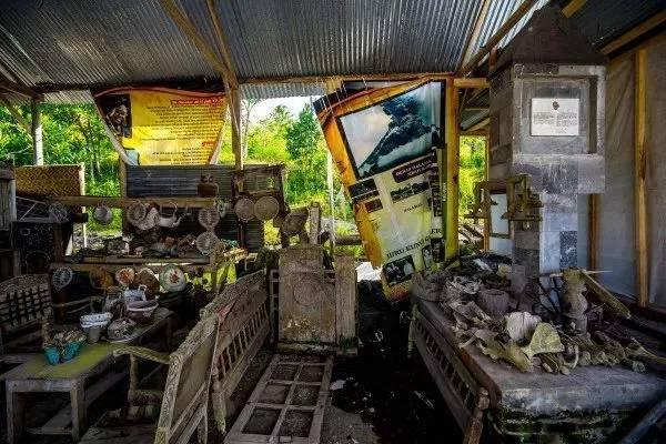 ngôi làng bị phá hủy bởi núi lửa ở indonesia