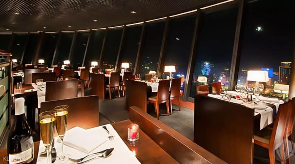 nhà hàng xoay 360 độ ở tháp macau