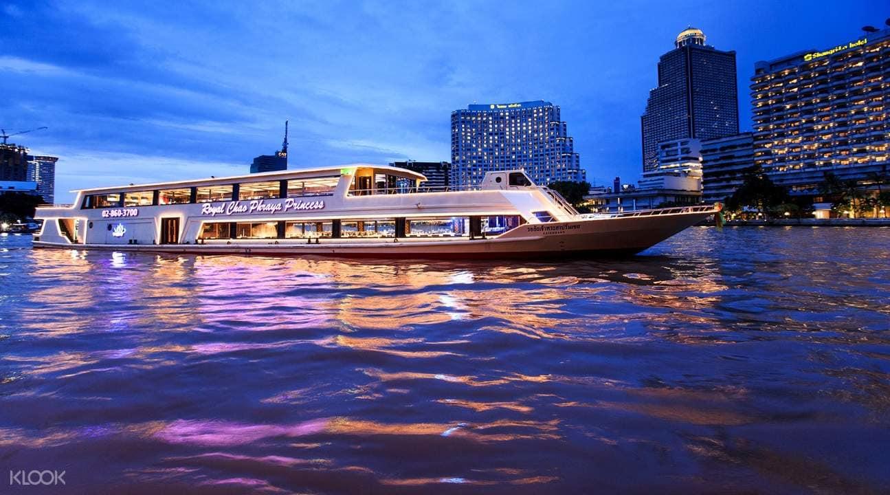 du thuyền chao phraya princess về đêm